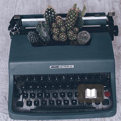 12 respuestas – Entrevista al escritor Luis Felipe Lomelí